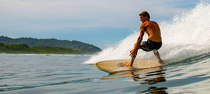Cosa Rica Surf Resort Surfer
